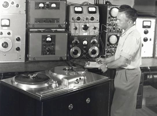 Harold Lindsay with Ampex 200A
